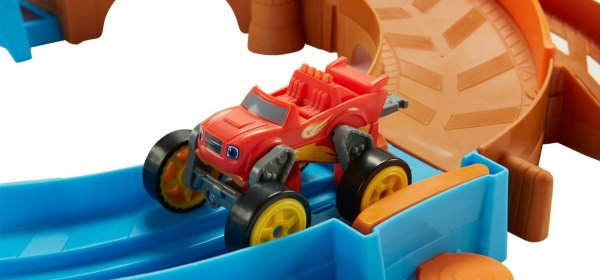 Blaze and the Monster Machines Race Track Speedway